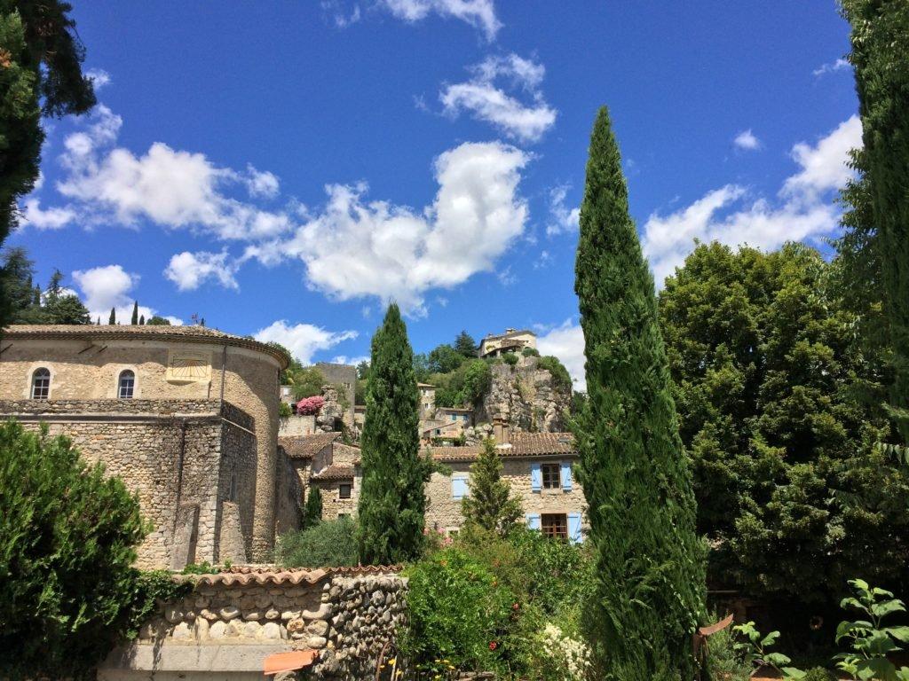 Labaume, ein Dorf am Fluß Labaume in der Ardèche