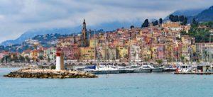 Menton ist eine Stadt an der Côte d'Azur im Südosten Frankreichs