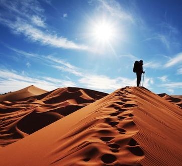 Wandern in der Wüste von Marokko © Galyna Andrushko - Fotolia