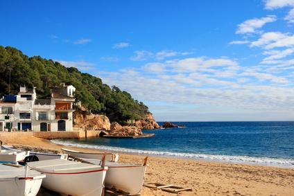 Boote am Strand von Tamariu an der Costa Brava (Spanien) © Marlee - Fotolia.com