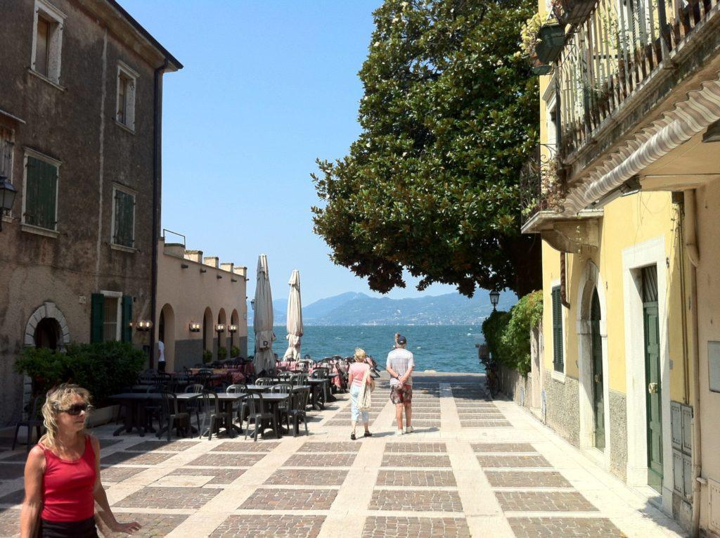 Torri del Benaco. Romantische Innenstadt am Gardasee