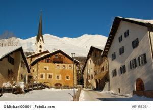 Historischer Dorfkern in den Schweizer Alpen