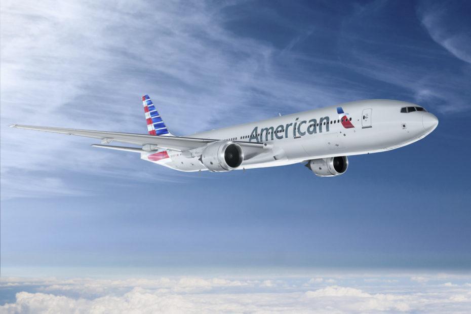 Ein Jet der American Airlines in der Luft