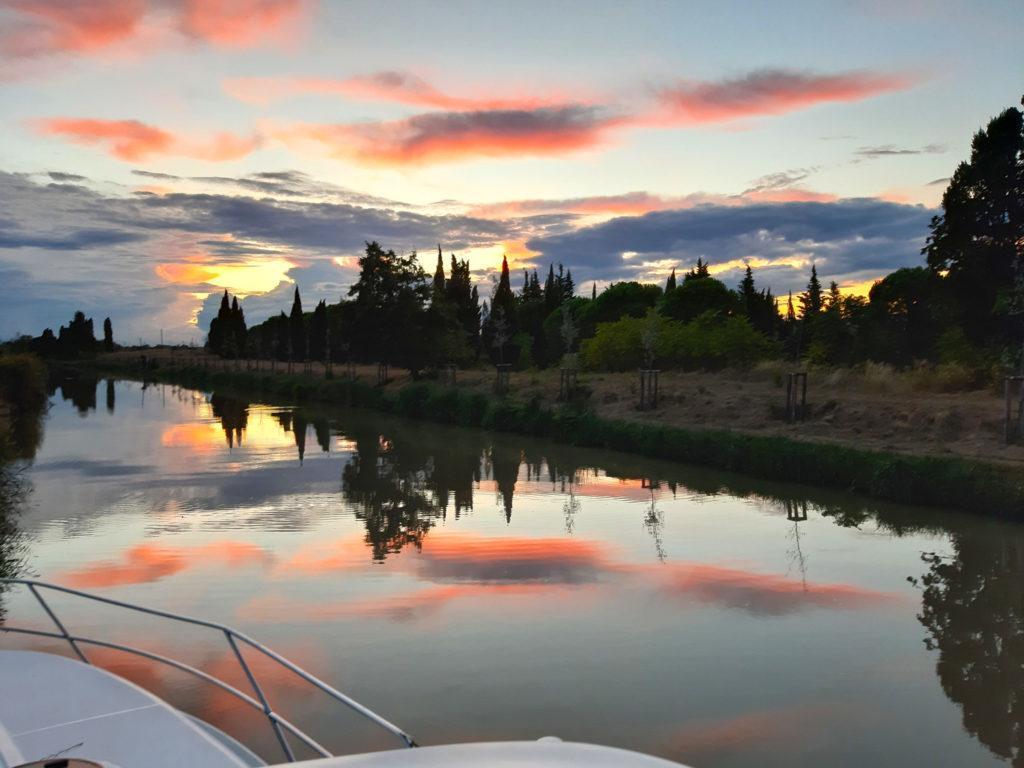 Abendstimmung am Canal du Midi auf dem Hausboot