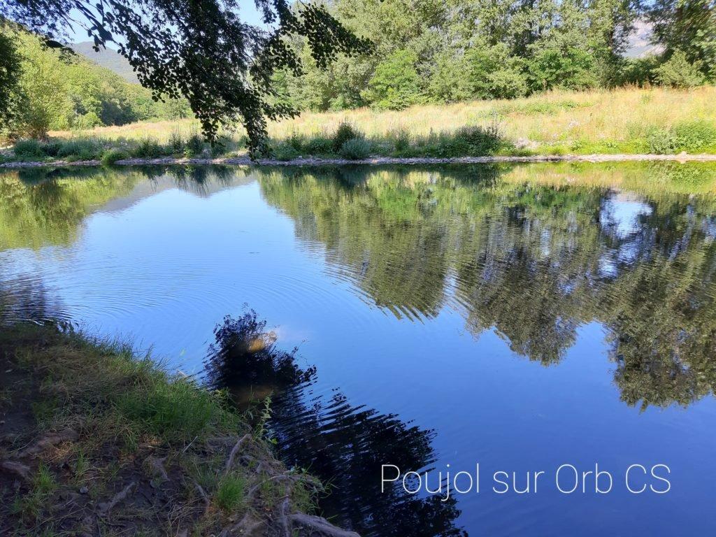 Poujol sur Orb. Kanu Orb Frankreich