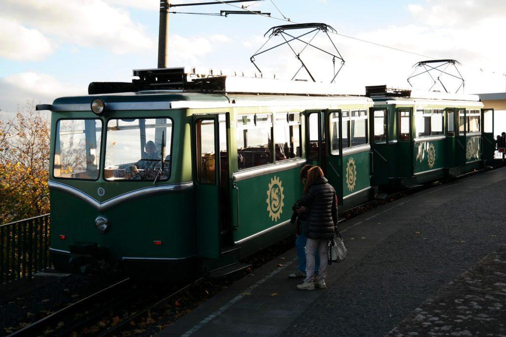 Drachenfels-Zahnradbahn von Königswinter zur Drachenburg