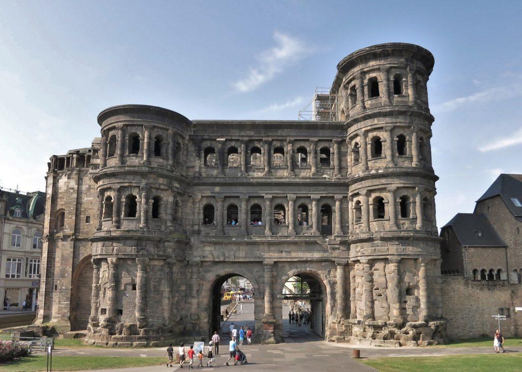 Städtereise Trier: Römisches Stadttor Porta Nigra