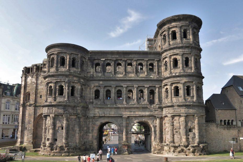 Städtereise Trier: Römisches Stadttor Porta Nigra in Trier